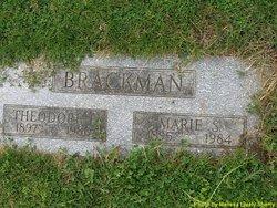Marie Brackman grave