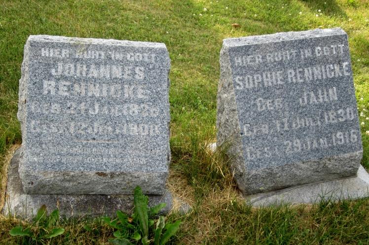 Rennicke gravestones Wayside WI.JPG