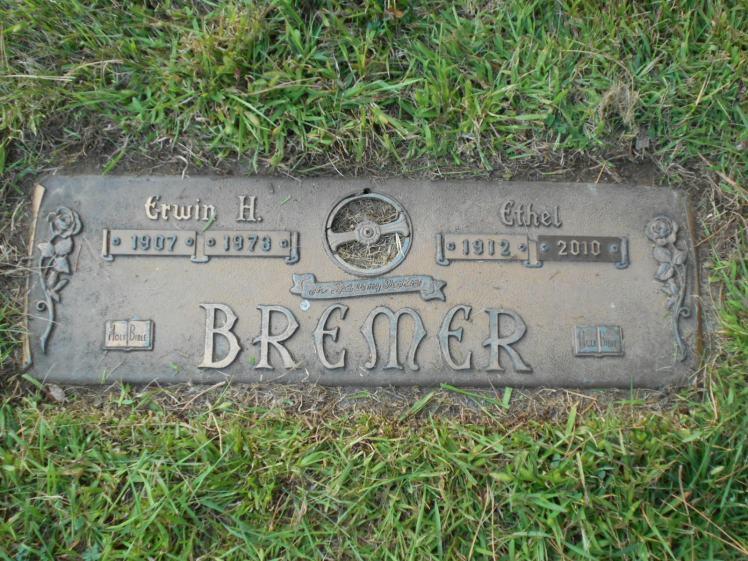 erwin-bremer-gravestone
