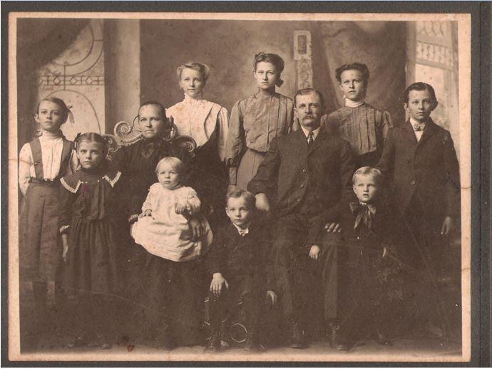 ochs-family-1905