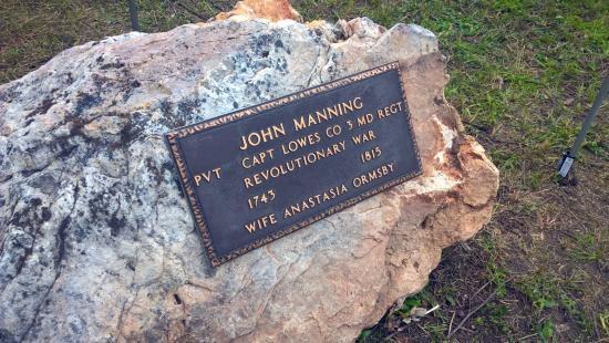 manning-monument