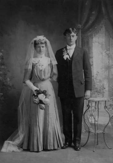 joseph-louise-holt-wedding