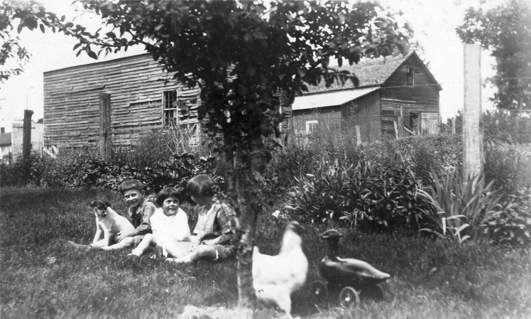 Fiehler children near Boehme sheds.