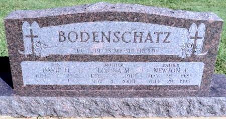 Newton Bodenschatz gravestone