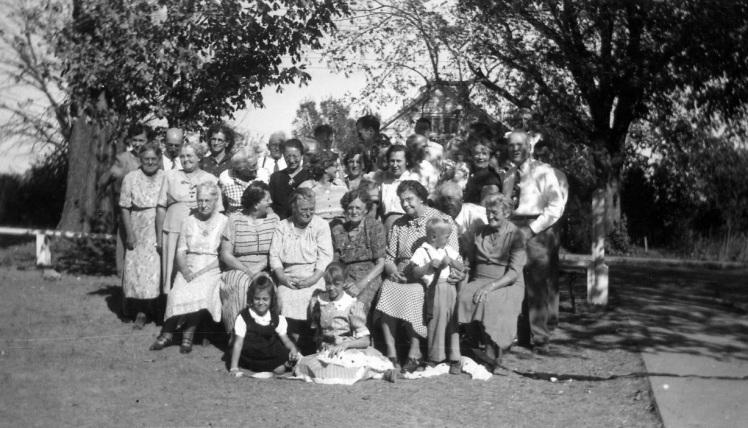 women Poppitz reunion