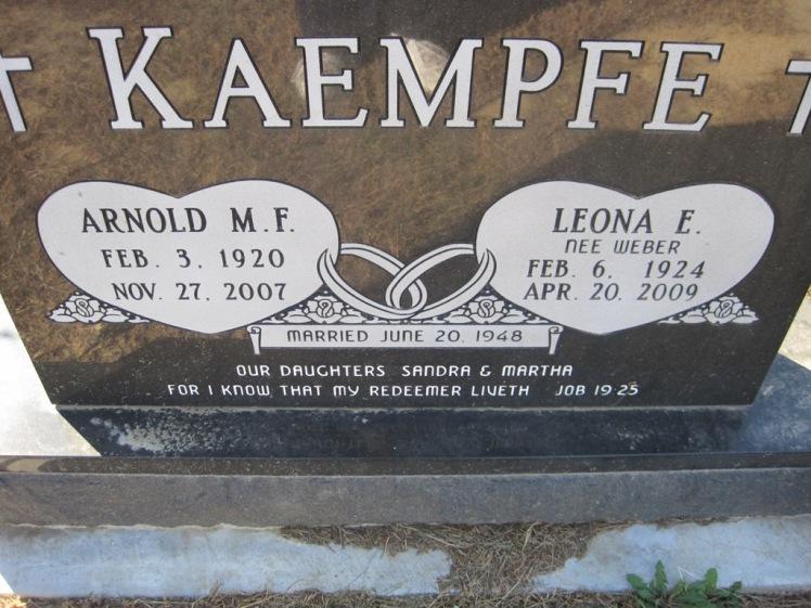 Arnold and Leona Kaempfe gravestone