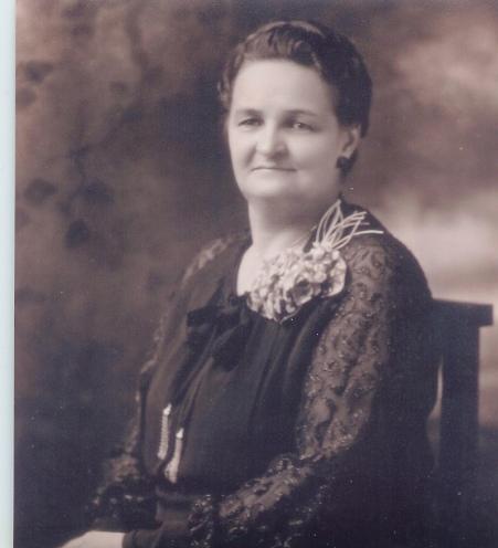 Edna Lueders