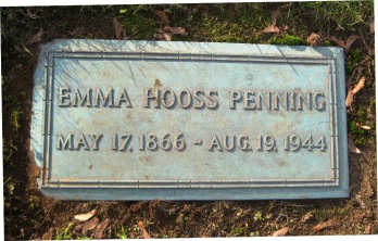 Emma Hooss Pfennighausen gravestone