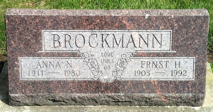 Ernst and Norma Brockmann gravestone - Indiana