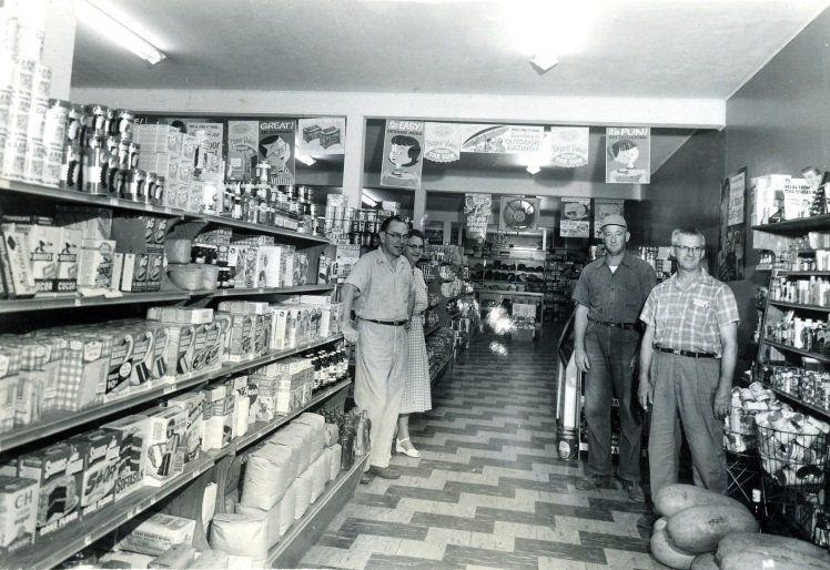 Fischers 1952 store inside