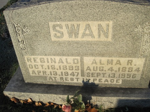 Reginald Swan gravestone