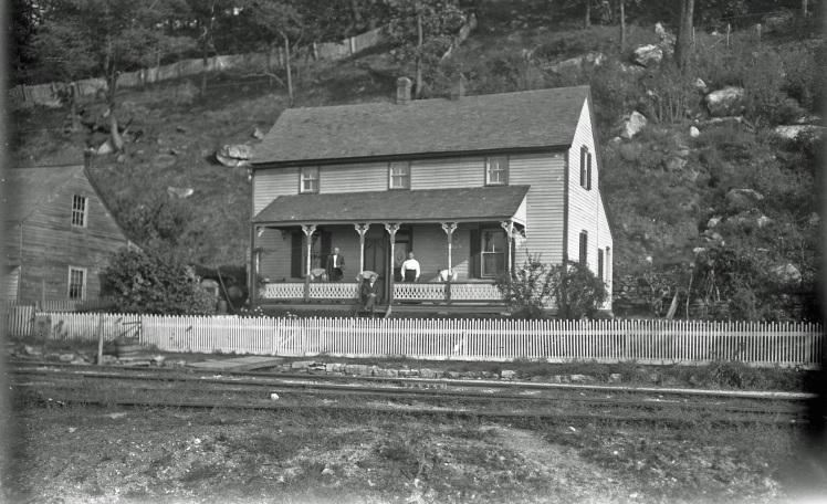 Walter Weinhold house X
