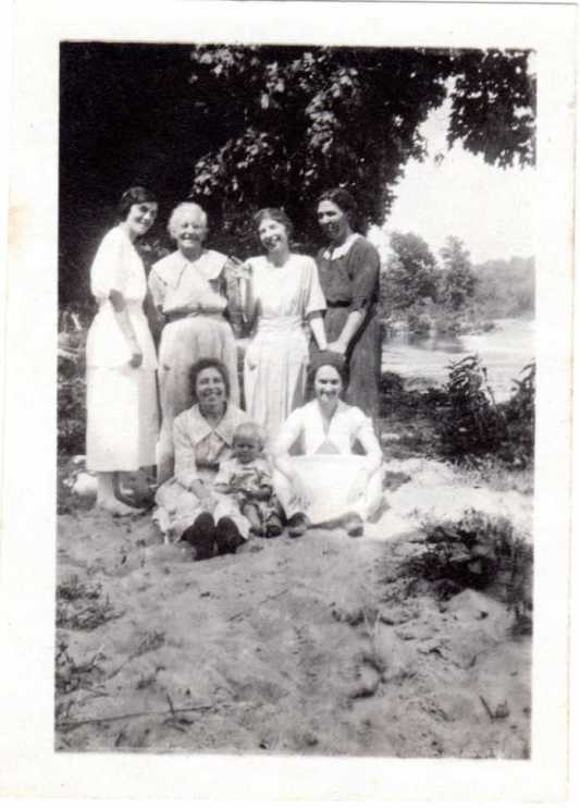 Elizabeth Sandler with other Sandler women