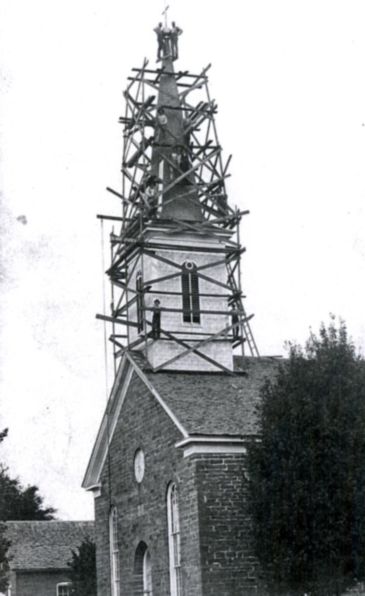 repairing steeple Telle