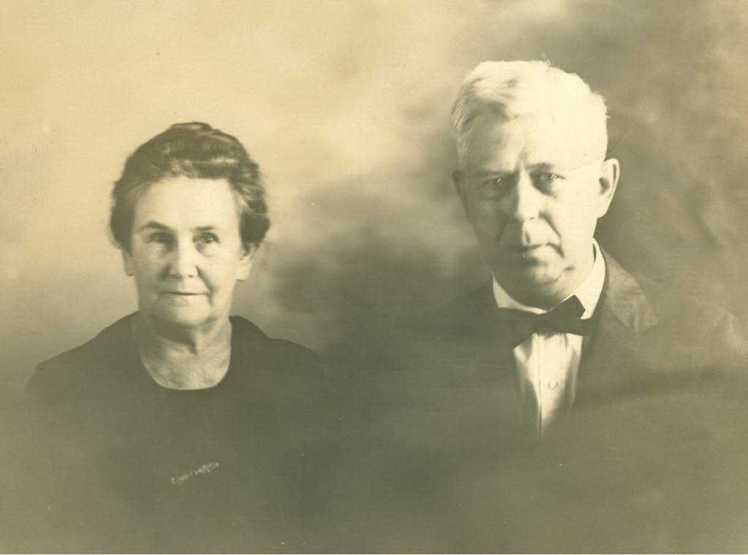 Gustav and Clara Lueders