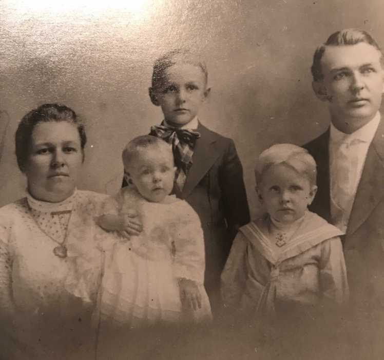 Otto and Lydia Lueders family