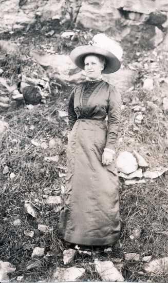 Ella Nischwitz Mueller