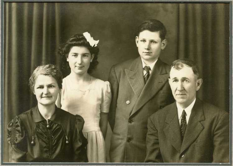Ernst and Esther Doering family photo