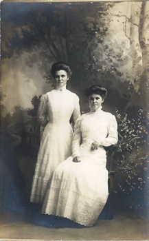 Ida and Anna Schroeder