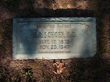 Dr. E.R. Schoen gravestone Cape Girardeau