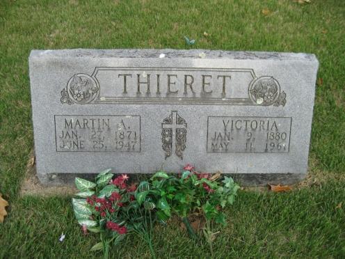 Martin and Victoria Thieret gravestone