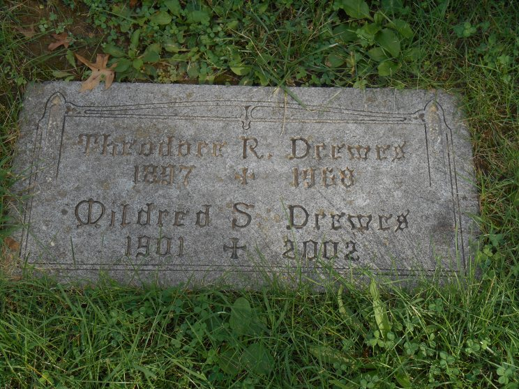 Theodore and Mildred Drewes gravestone St. Trinity Cemetery St. Louis