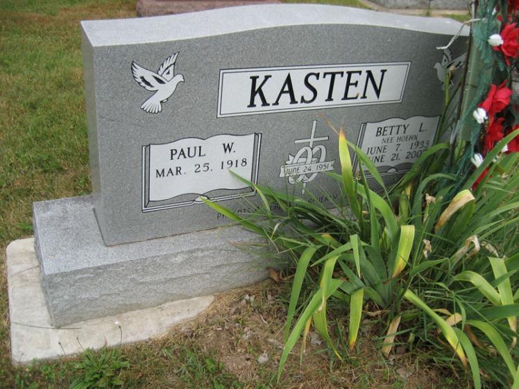 Paul and Betty Kasten gravestone Friedenberg