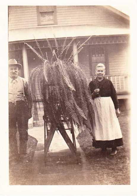 Robert and Lena Fritsche