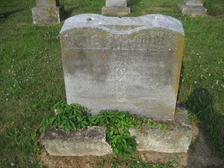 August and Wilhelmine Lorenz gravestone