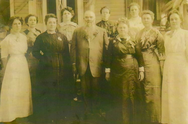 Joseph and Maria Weinhold and daughters