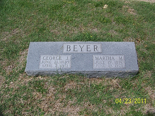 George and Martha Beyer gravestone Calvary Marlin TX