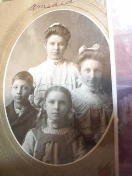 Amedia Strassburg and siblings