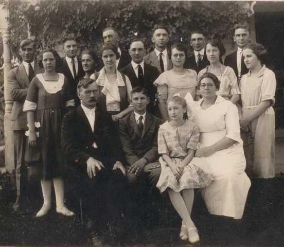 Cholcher Family in 1915