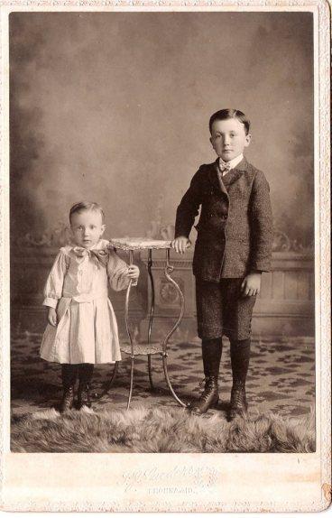 Oscar and Wilhelm Kasten