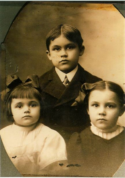 Three Bundenthal children