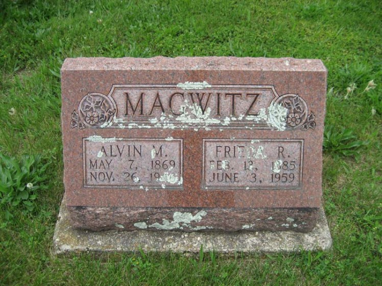 Alvin and Frieda Magwitz gravestone Immanuel Perryville MO