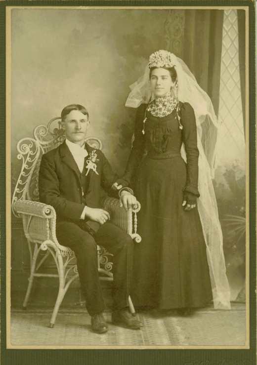 Fig 1_1901-08-11-001_Martin & Martha Mahnke