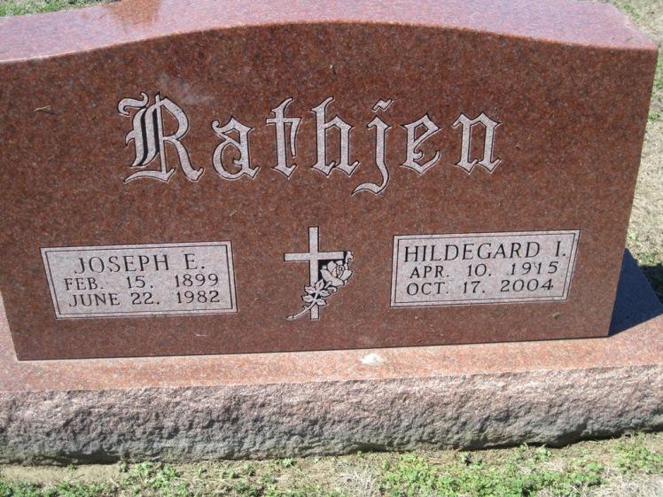 Joseph and Hildegard Rathjen gravestone Christ Jacob IL