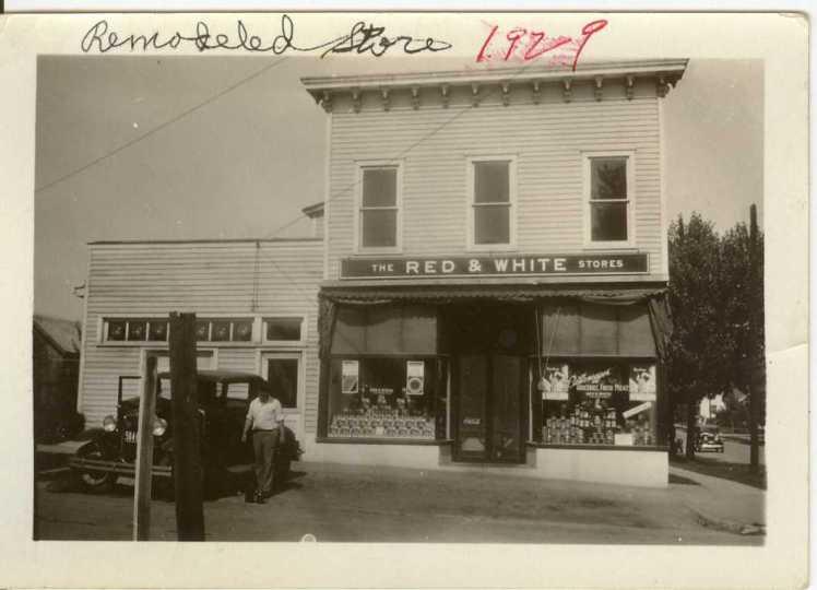 Lichtenegger storefront 1929
