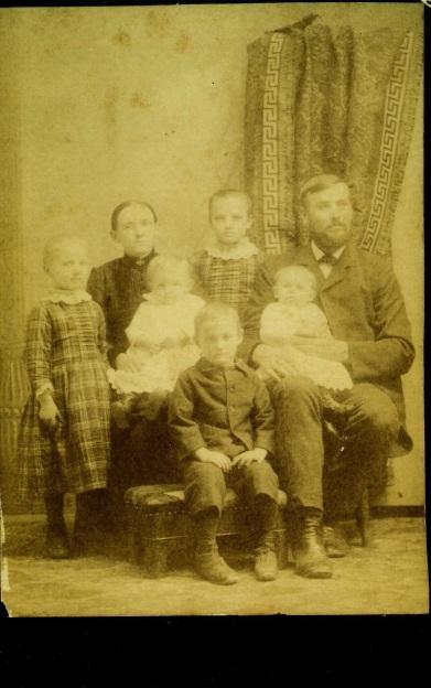 Albert and Kunigundia Hoehn Familya