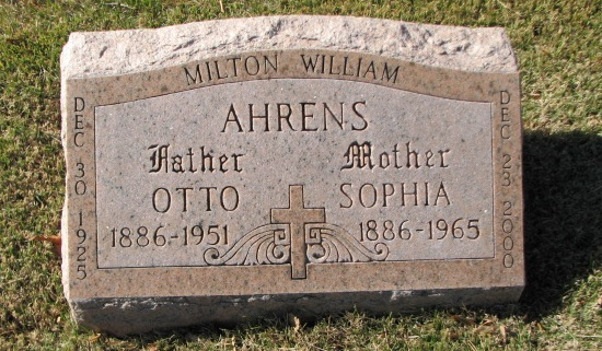 Otto and Sophia Ahrens gravestone New St. Marcus St. Louis MO