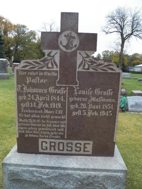 T Johannes and Louise Grosse gravestone Zion Bensenville IL