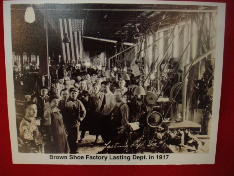 Brown Shoe Co. Murphysboro IL 1917