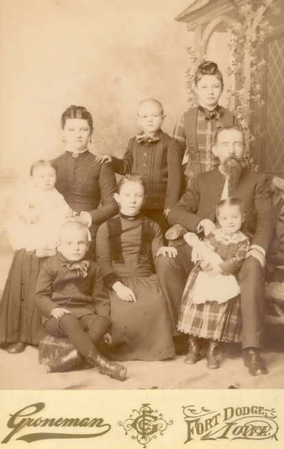 B J Ansorge family Ft. Dodge IA