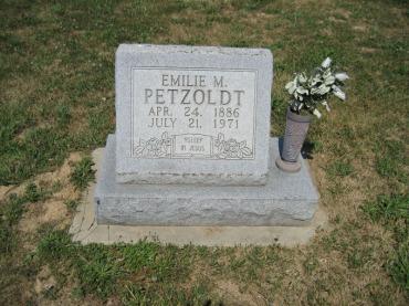 Emilie Petzoldt gravestone Trinity Altenburg MO