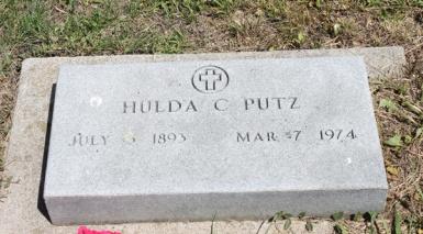 Hulda Putz gravestone Pilger Cemetery NE
