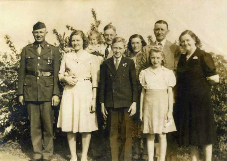 William and Bertha Doering family
