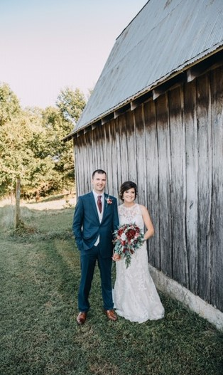 Blake Wunderlich wedding photo barn
