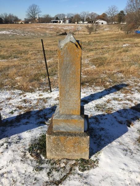 Loretta Swan Nennert gravestone Trinity Altenburg MO