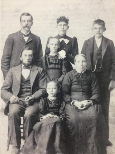 Johann and Maria Oetjen Heeszel family
